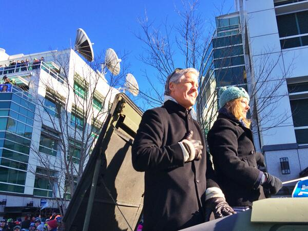 Captured @PeteCarroll as the parade began. His expression tells it all. #Celebrate48 #GoHawks http://t.co/ptMkoQNYLk