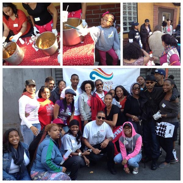 Feeding & Clothing God's people on the streets of DTLA w/ @WeFeedTheHungry http://t.co/PlCgbJGbjc