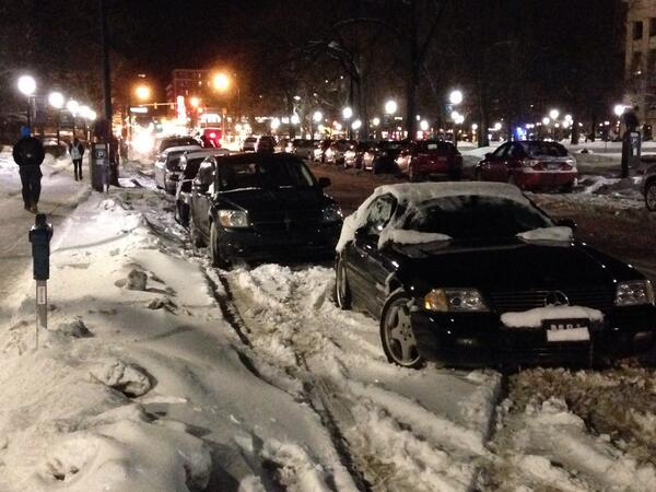 "There's the curb. There's the ""snow curb"". Then there is this guy's curb. http://t.co/Y6Xj9CIUur"