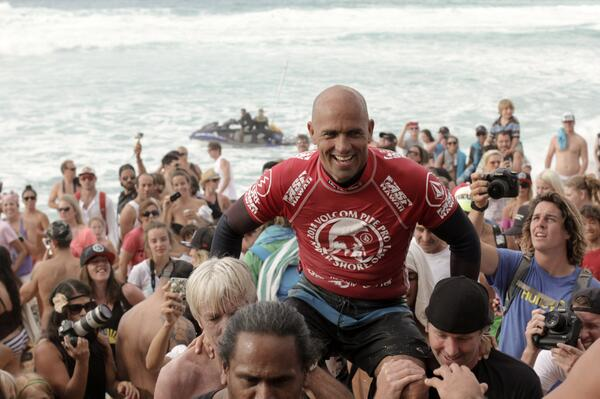 Congratulations to @KellySlater for winning the 2014 #VolcomPipePro! Awards LIVE now: http://t.co/4tW9RBjUxe http://t.co/mS4uKfcWWI