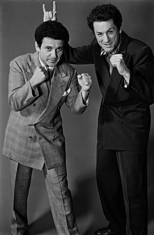 Joe Pesci and Robert De Niro during the making of Raging Bull, 1979. http://t.co/1NokcHXwKT
