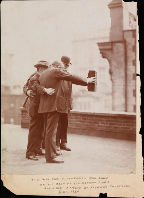 You think you invented selfies? Think again. (via @gentrala) http://t.co/rsBWMDUrxA