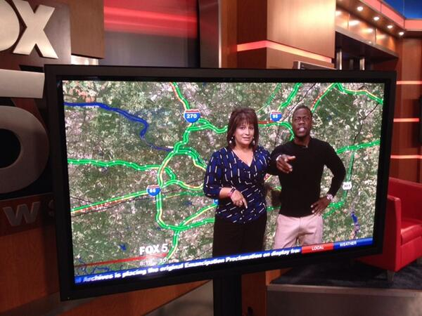 Thank you @kevinhart4real You were awesome w the traffic!! @fox5newsdc http://t.co/JXgsBtPGVB