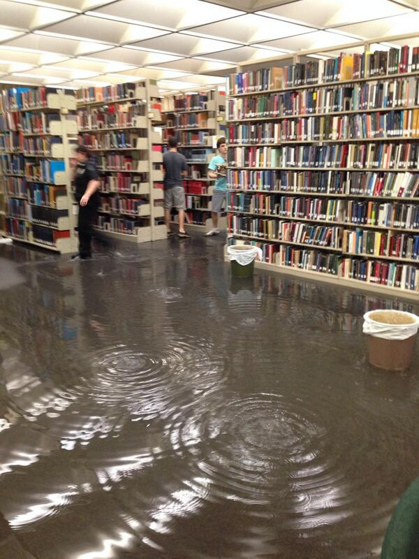 The fourth floor of the Howard-Tilton Memorial library is leaking through the roof. More information to come. http://t.co/Eh83fW02BV