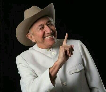 Adiós al Tío de toda Venezuela!  Descansa en Paz Simón Díaz. http://t.co/Uya12qkHOf