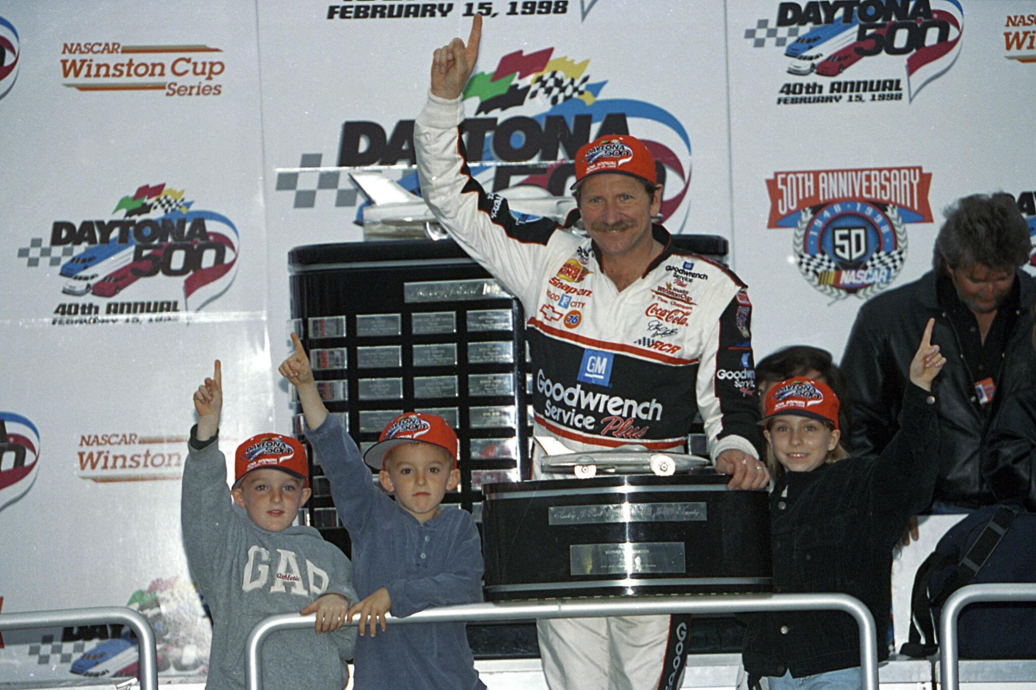 Here's another of #DaleSr in #DAYTONA500 Victory Lane with youngsters @austindillon3 and @tydillon. http://t.co/LGhXMyF9ch