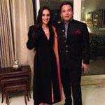 Do u also dress up 4a shaadi in the cold & then cover up wth a big coat?Haaha! @roopaksaluja & moi in Dilli!