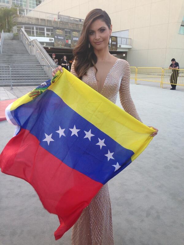Lista para trabajar,en mi mente y corazon #venezuela @premiolonuestro http://t.co/cqAuWV5VHj