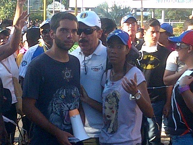 AD dirigiendo las GUARIMBAS en Ciudad Bolívar. http://t.co/8NgdixdKUZ