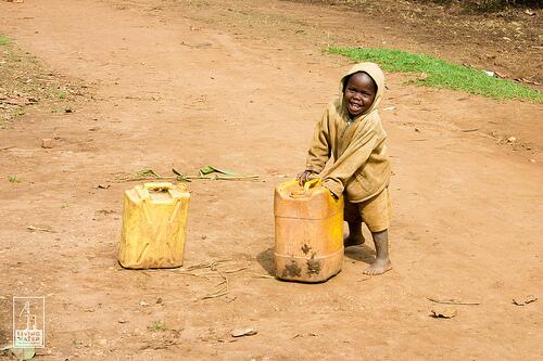 To date 14,105 #water projects have been completed. Thanks to you, kids like this one have access to #cleanwater. http://t.co/ieb9Vx9NKl