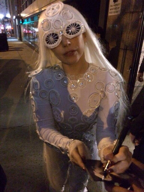 Lady Gaga right now in NYC! http://t.co/irdtpZ5jH4