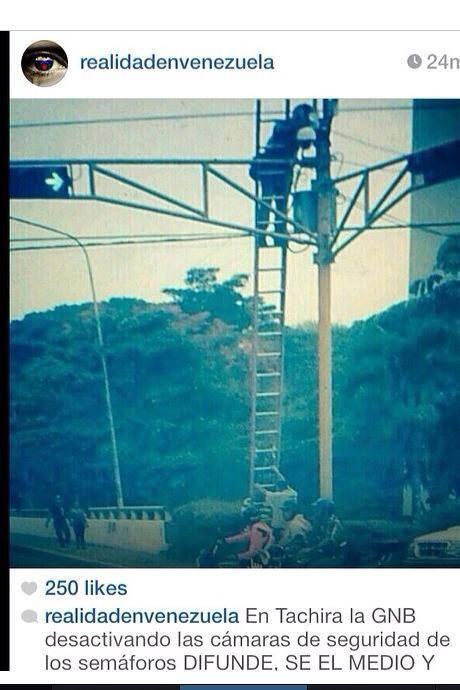 @fmonroy RT @seymour1981 delicado! GNB desactivó cámaras de seguridad en los semaforos en San Cristobal URGENTE! http://t.co/YBeE6eyx16