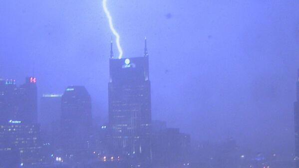 Our Arena Cam captured this amazing shot downtown. Send your weather pictures to pix@wkrn.com. http://t.co/6IpJNV9DZ7