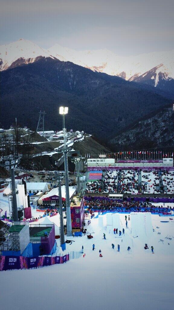 Aerial training starts today in Sochi. Site looked great yesterday during mogul qualifiers. http://t.co/Xn0rSPiioy