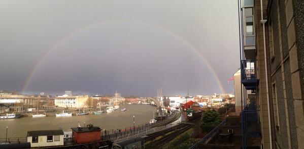 Pretty rainbow! http://t.co/pFsm6PgZwE