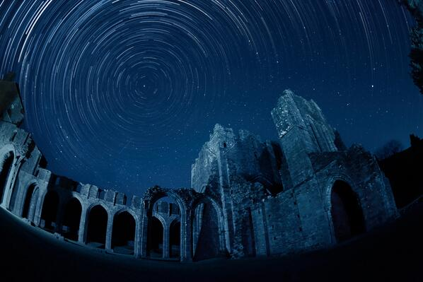 LLanthony Priory all night. @ Brecon Beacons Dark Sky Reserve: protected for etherial skywatching #Wales #archaeology http://t.co/m7m0h6vCDs