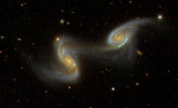 Recently classified on GZ: a gorgeous pair of interacting spirals (NGC 5258/Arp 240): http://t.co/SoZu8NKKbF http://t.co/FrbtN5OSlw