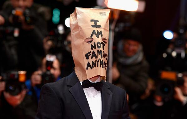 Shia LaBeouf now rips off Simpsons Thomas Pynchon http://t.co/dgmMtEwHtn MT @BBCNewsEnts http://t.co/GwyGcixr2E http://t.co/5AdJmG6VfO