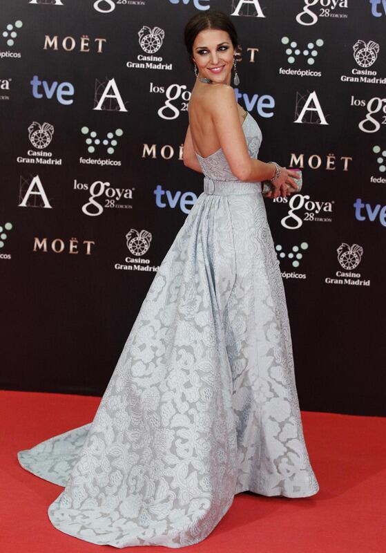 Y llegó Paula Echevarría! Impresionante con look princesa @dolorestweets y joyas @tousjewelry http://t.co/D9V3oNXFiM http://t.co/3Ca6NJrTfw
