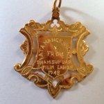 http://t.co/nrKB8FGB6K Ye wo gaana aur medal. http://t.co/JF6xik17Mn