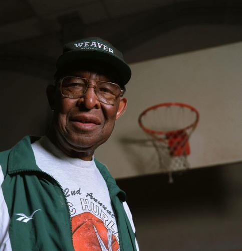 #Hartford Legend Walter 'Doc' Hurley Dies http://t.co/PVL31olrQo http://t.co/JgOCaxT0xz