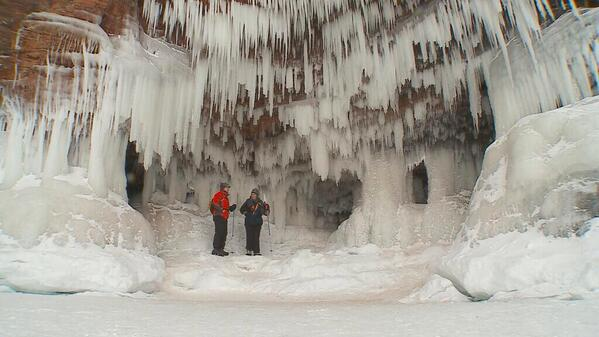 jamieyuccas (@jamieyuccas): Really excited to take you inside the Apostle Island Ice Caves for the @CBSEveningNews tonight at 5:30 pm. http://t.co/Slik80Xovk