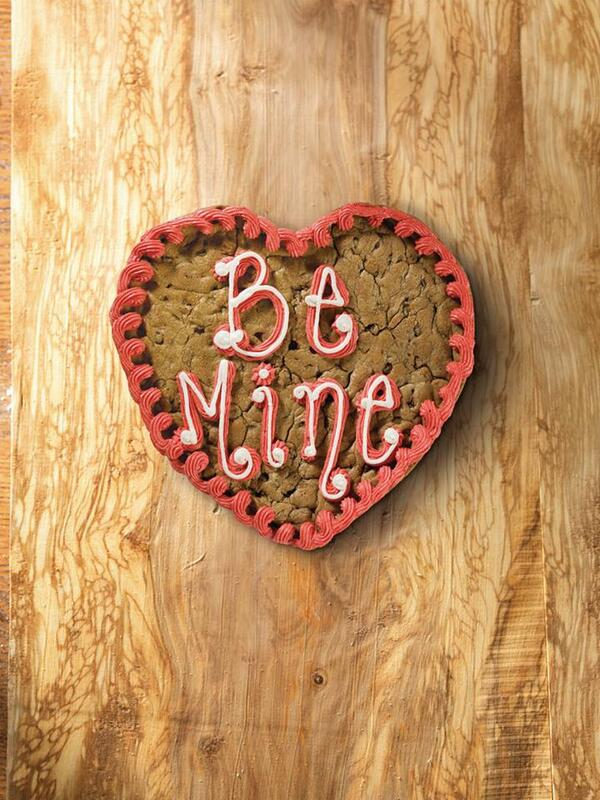 Love is sweet. Order and prepay for a Valentine's Day Giant Cookie by Thursday and you'll receive 10% off! http://t.co/ARl4NHfzRm