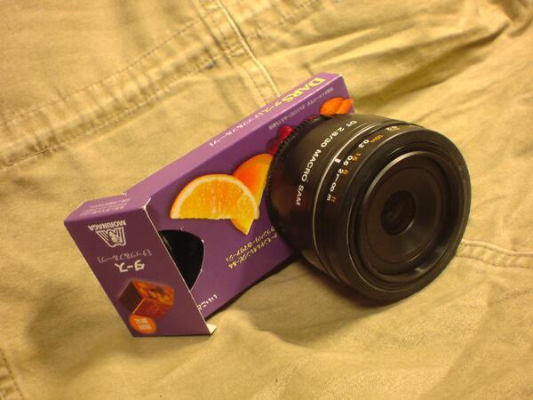 やばい!これって、この間焼き鳥屋に忘れてきた試作機だ・・・(汗 RT @Akihitweet やっぱりこうやった方がdp2 quattroっぽいな。 カリッとしたアーモンd……もといカリッとした描写が癖になる。 http://t.co/KX5osgzPRN