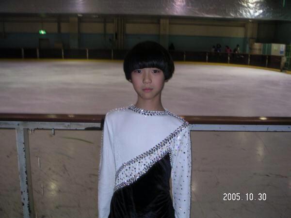 フィギュアの羽生結弦くん10歳の頃 とてもかわいい http://t.co/PXWoxoZgZ2