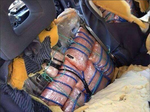 Photo depicting the #explosives found inside the car dismantled by the #LAF in Corniche al-Mazraa region |#Lebanon http://t.co/ukDWoyA1WN
