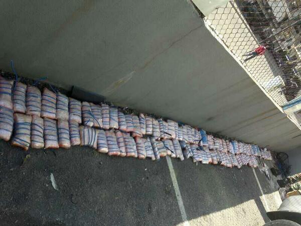 Photo depicting the #explosives found in the booby-trapped car in the Corniche al-Mazraa region | #Lebanon http://t.co/fqMFJw9G8U