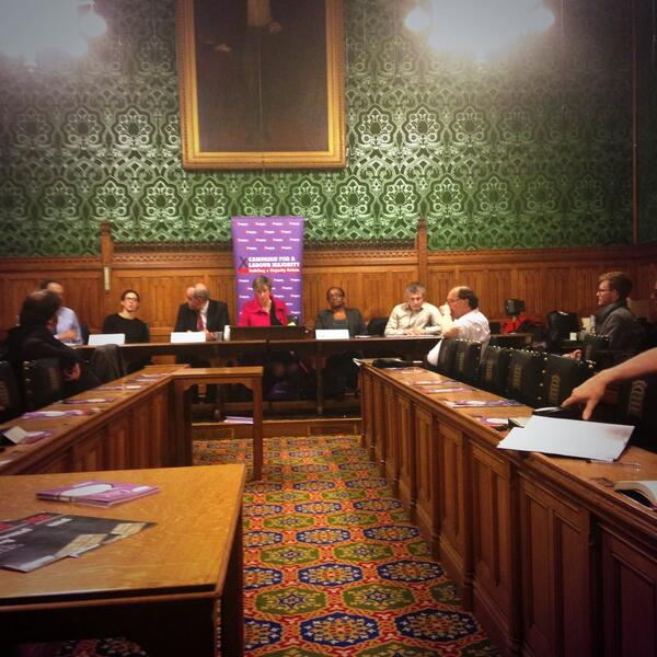 Great debate taking place on immigration with a wide mix of questions and views from the floor #labmaj http://t.co/e0dBVbqOTI