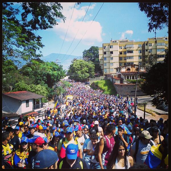 El país sólo se recupera saliendo a la calle a buscarlo #SoyVenezolano http://t.co/fjzecsvwDe