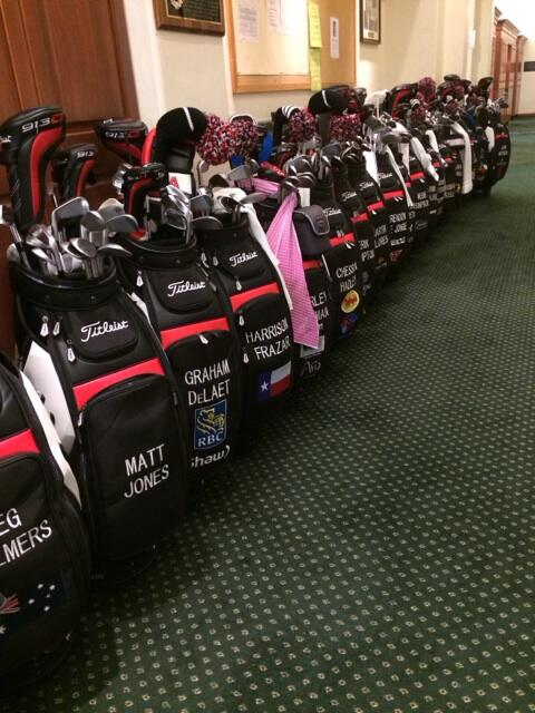 This ones for our colleagues at @Titleist @TitleistonTour. The Acushnet squad is lined up and ready to go. http://t.co/tWYqTzJz3H