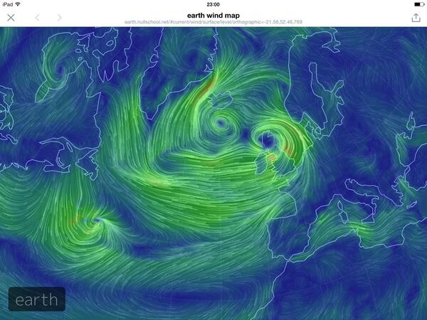 Woh! Nearly real-time map of weather (storm) over the UK, right now!  http://t.co/7OVctQWqi5 http://t.co/TyqTLGDfbz