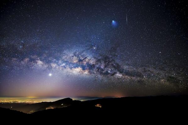 Um, yeah, this is an *incredible* picture. A rocket, a meteor and the Milky Way over Thailand. http://t.co/e8MoVlLYHD http://t.co/YWY5whuILY