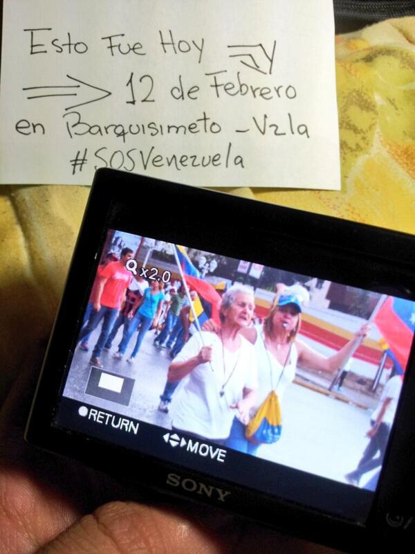 Si ella sale a la calle y luchaPOR QUE TU NO? #12VnzlaEnlaCalleNicolasPaElConoTeVas #PrayForVenezuela @fdelrinconCNN http://t.co/Psp1ErPsC6