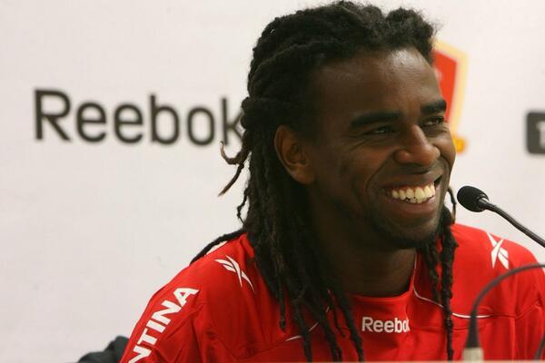 Mantenha esse sorriso Tinga!!! A maior arma contra os pobres de espírito!!! http://t.co/acxihqncnR