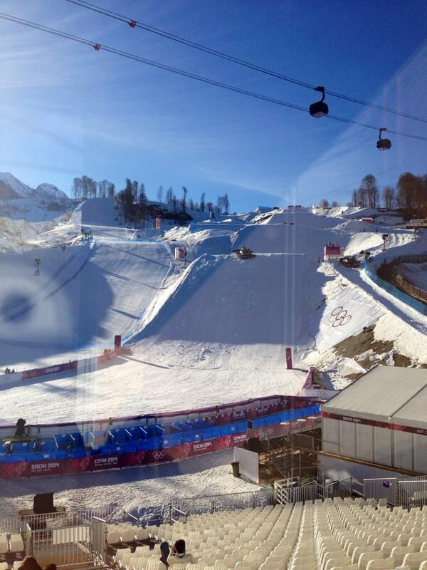 Quite depressing watching the Slopestyle course at #Sochi2014 being destroyed by snow machines.See you in South Korea http://t.co/ErvaPWkRVH