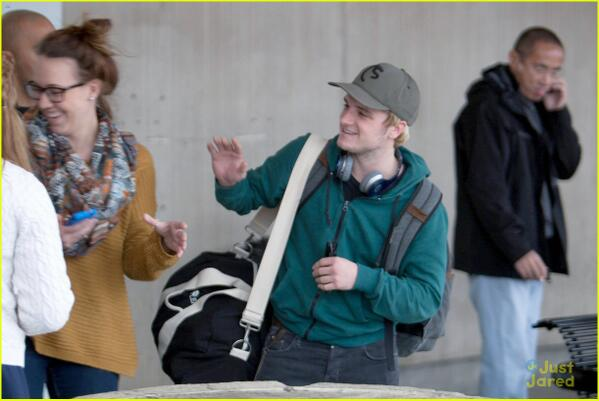 Josh Hutcherson joined the cast in Atlanta for #Mockingjay filming - love the blonde hair :) http://t.co/k9wDzTgFWs http://t.co/MB4gFtaneg
