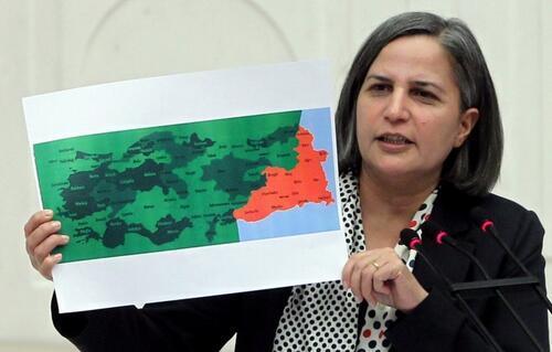Emre Uslu (@EmreUslu): Oslo Müzakerelerinde karara bağlanan harita bu. AKP bu yüzden Bingöl Urfa gibi yerlerde zayıf aday çıkardı http://t.co/mbEwO86PX7