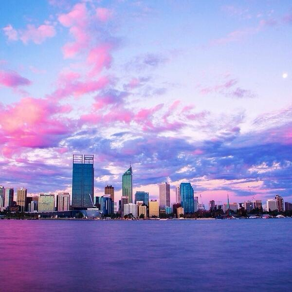 Enjoying a cotton candy colored #sunset over #Perth! Great shot by @prettyyoungthing! (via IG) http://t.co/OnCBMw4gKg