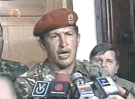 Cuando Chávez intentó tumbar un Gobierno, tuvo todos los micrófonos para expresarse. http://t.co/xQJRcCY8Ze #SOSVenezuela