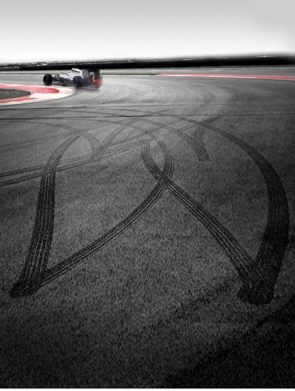 McLaren трогательно поздравляет с Днём всех влюблённых http://t.co/xYb1VT5G55