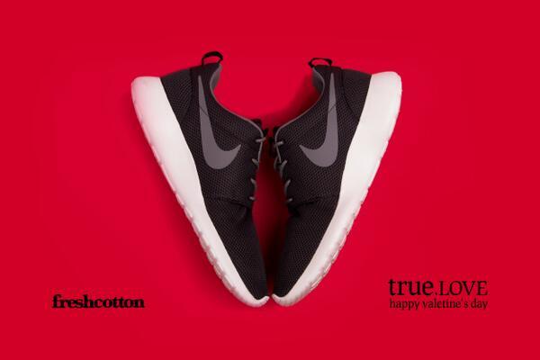 Sneakerliefde is echte liefde. Happy Valentine's Day. http://t.co/UsMYa0WP36
