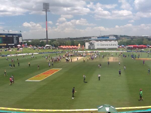 Cricket administrators worldwide look at this. The game is owned by the fans, and the players. Let 'em on. http://t.co/RtJk7LQeAs