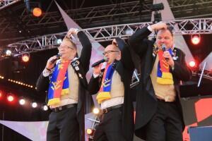 Winnaar @LVK2014 : @de_toddezek - Onhendig Leedje http://t.co/5GoHlLg1P0 #LVK14 #vl14 / http://t.co/pGl9y6Jktc