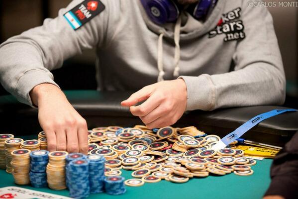 ¿Enamorado del Poker? ¡Feliz #SanValentin! http://t.co/QGWMWeMYlz
