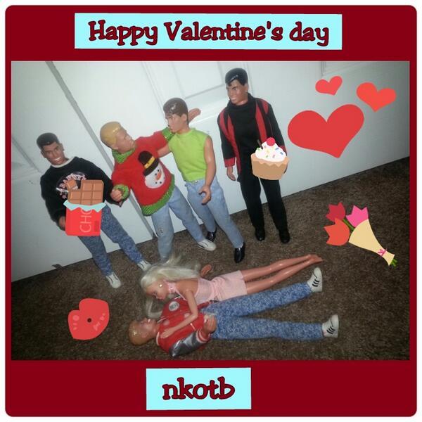@donniewahlberg @JonathanRKnight  @jordanknight @dannywood @joeymcintyre @nkotb happy Valentine's day ;) ♥ http://t.co/ioqUMDZ3AQ