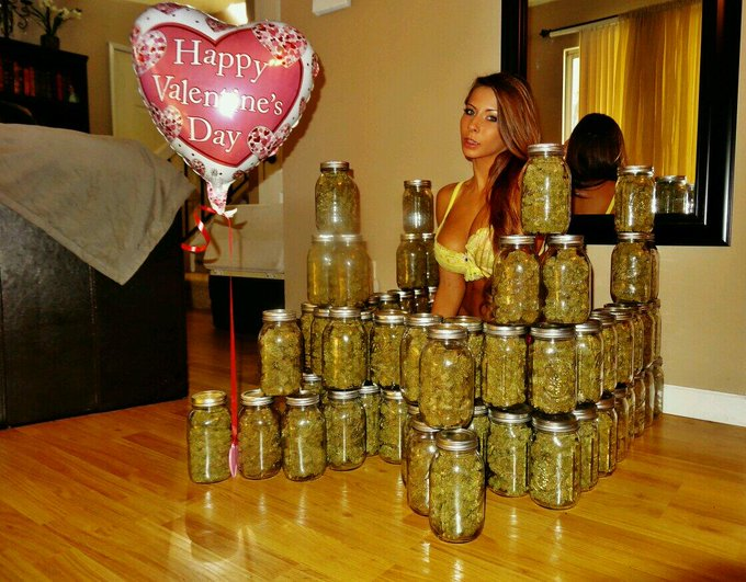 #Throwback 2 last year's #ValentinesDay... How'd u spend it? :) Need a king 4 my #CannabisCastle http://t